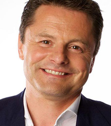 Chris Hollins | NMP Live